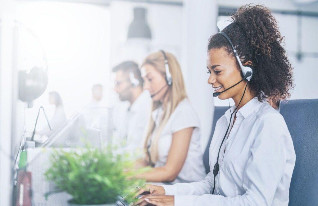 Qué es un call center, cómo funciona y por qué lo necesita tu negocio